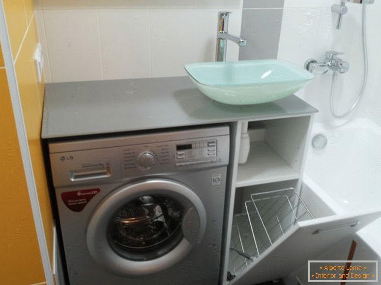 Waschmaschine unter der spüle im badezimmer - interessante